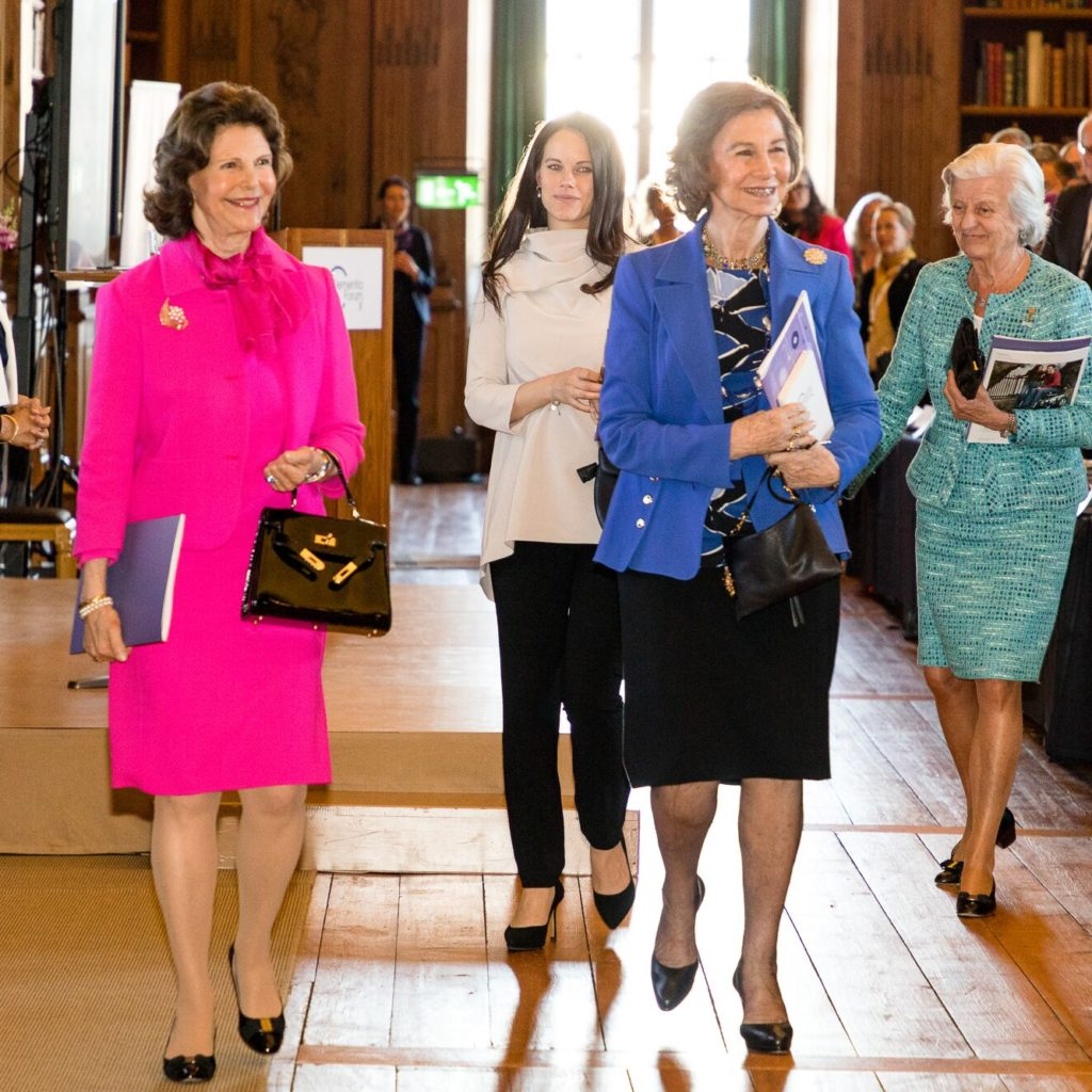 Queen Silvia with professionals