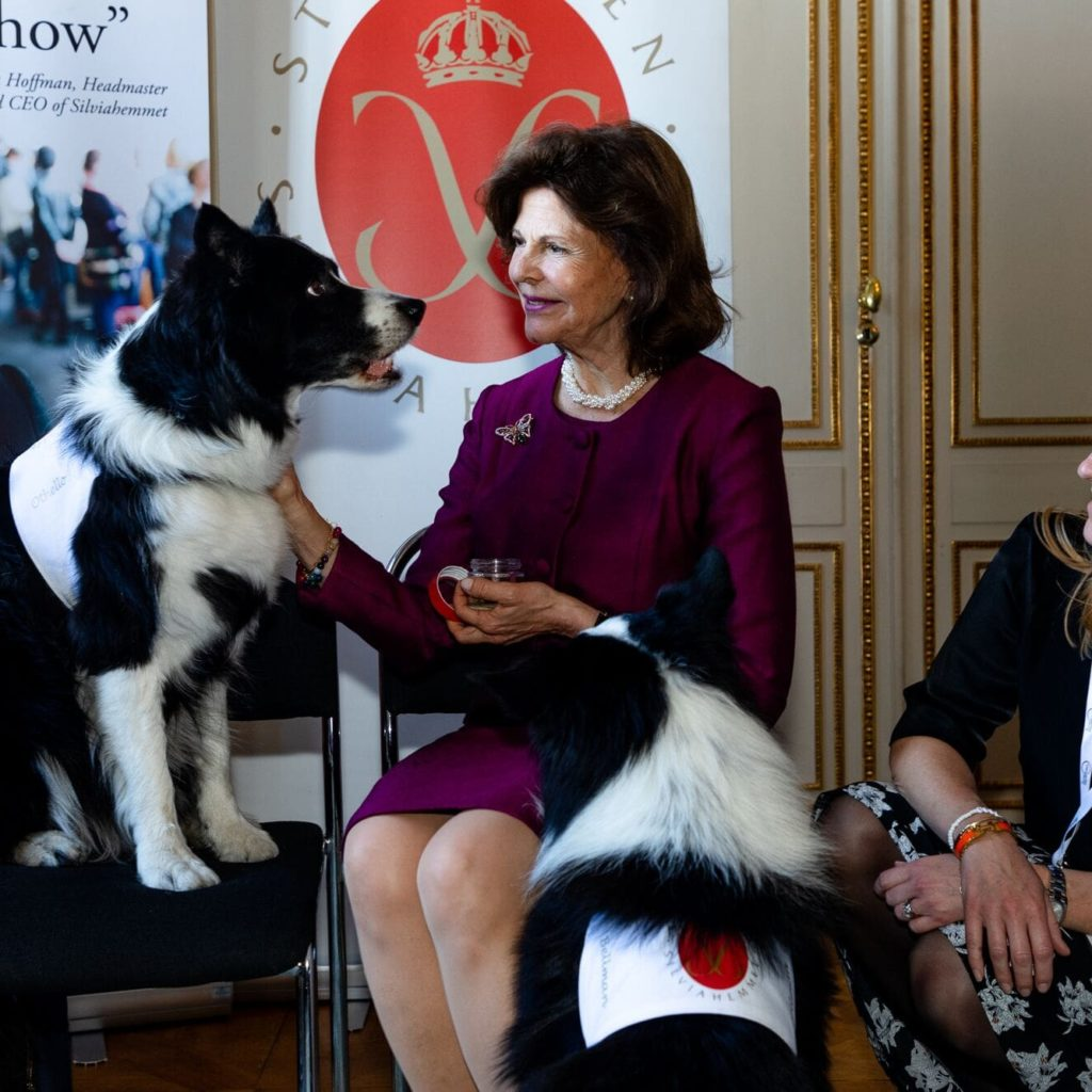 Queen Silvia and 2 dogs
